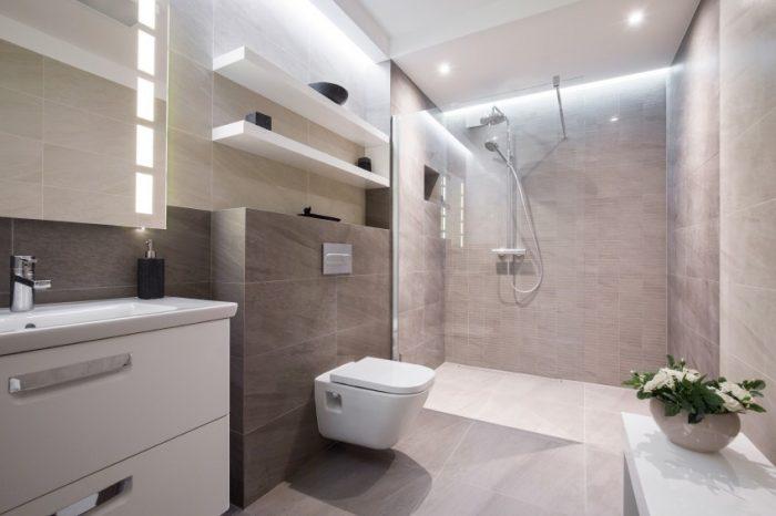How To Make A Small Bathroom Look Bigger With Tiles Roccia Roccia