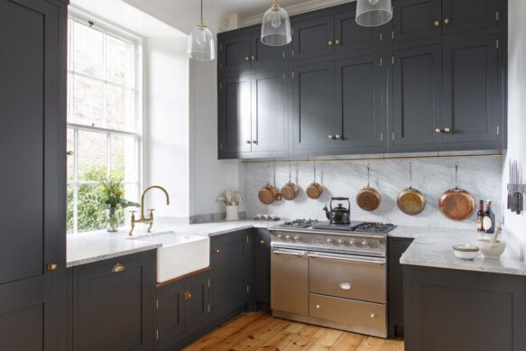 Jacob and Sons - Contemporary English Kitchen